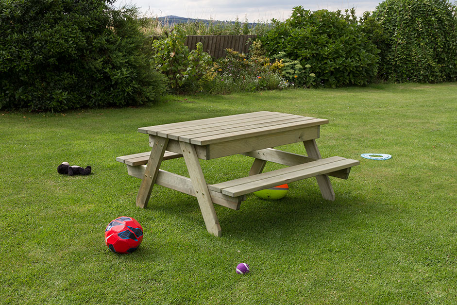 Zest Alice childrens picnic play table